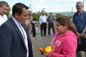 (L-R) National Chief Atleo speaks with Wagmatcook youth.