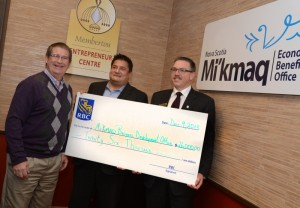 (L-R) Owen Fitzgerald, Executive Director, Mi'kmaq Economic Benefits Office, Alex Paul, Director of Training for MEBO and Ray Meredith, Regional Vice President, RBC.