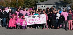 A group photo of all the participants in the Mi'kmaq Run for the Cure.